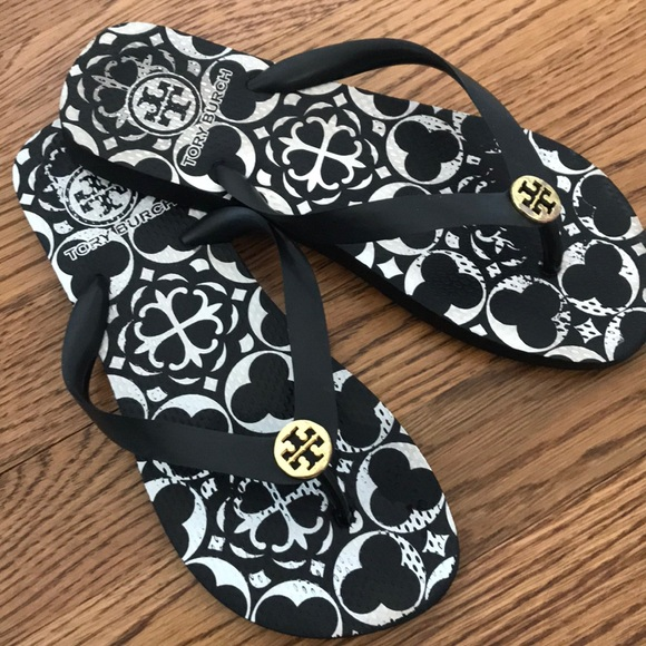Black And White Flip Flops Size